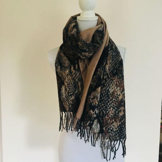 Afbeeldingen van Sjaal slangenprint - beige
